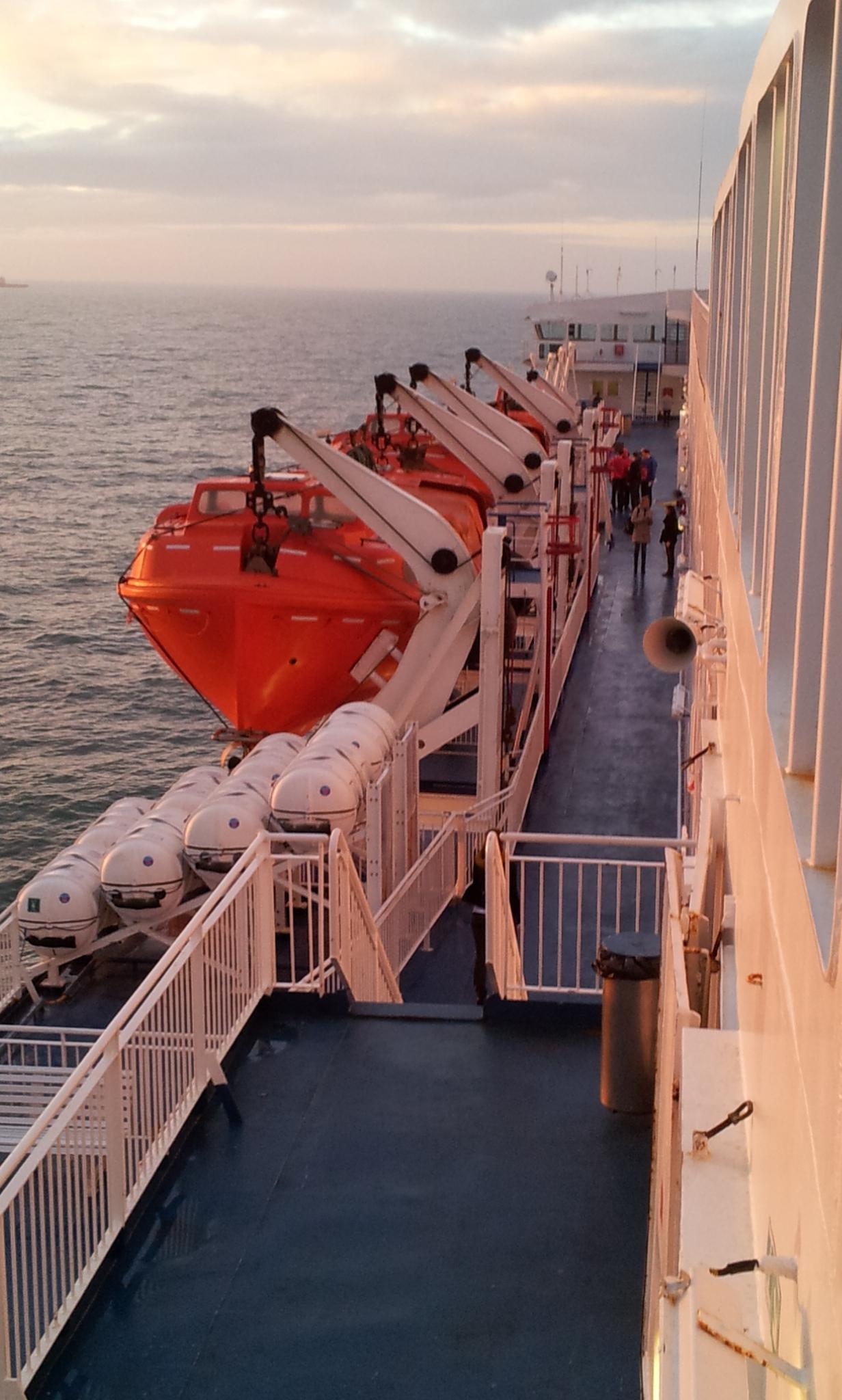 03_dfds schip zijkant st