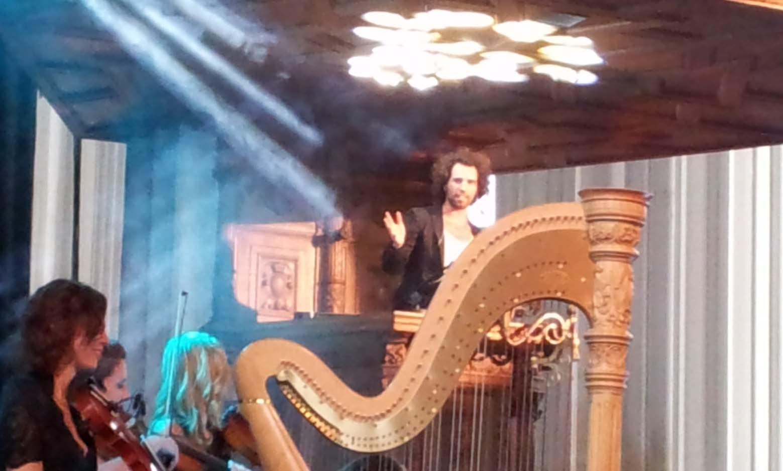 4D kerk zanger Navarone