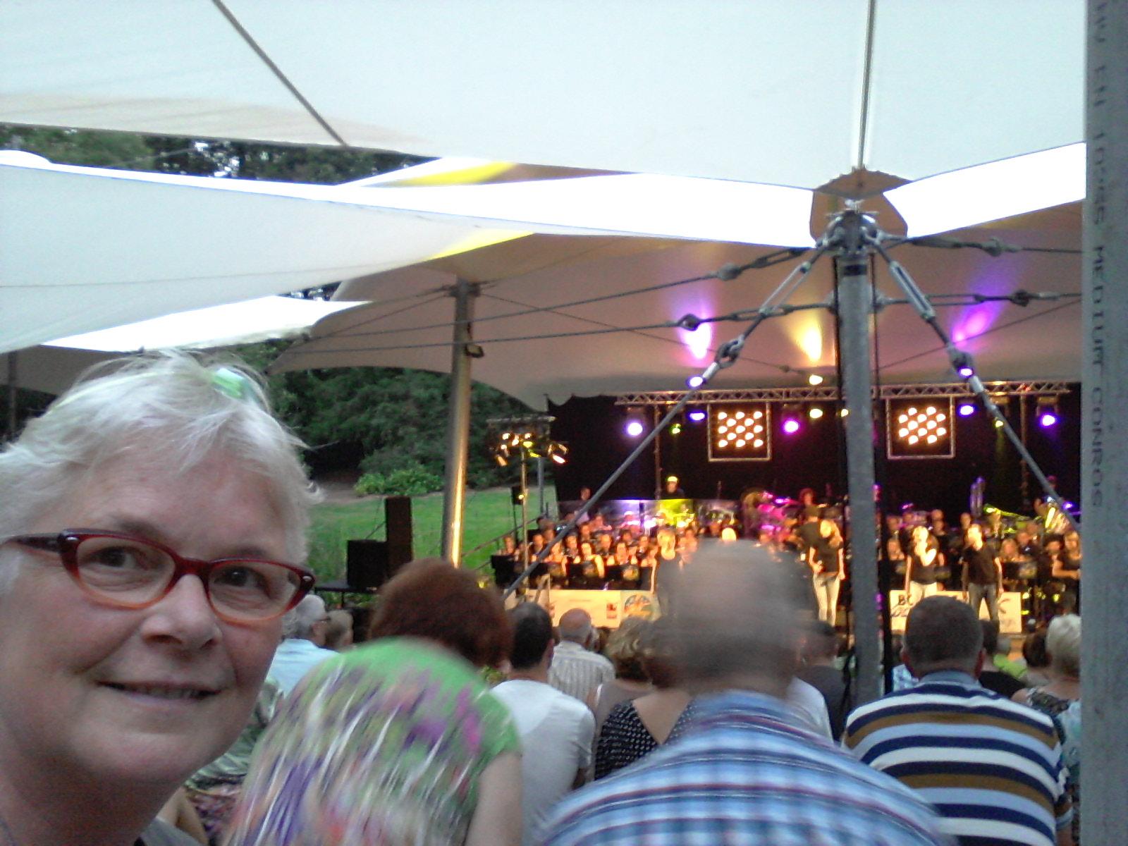 Selfie bij 4daagse orkest