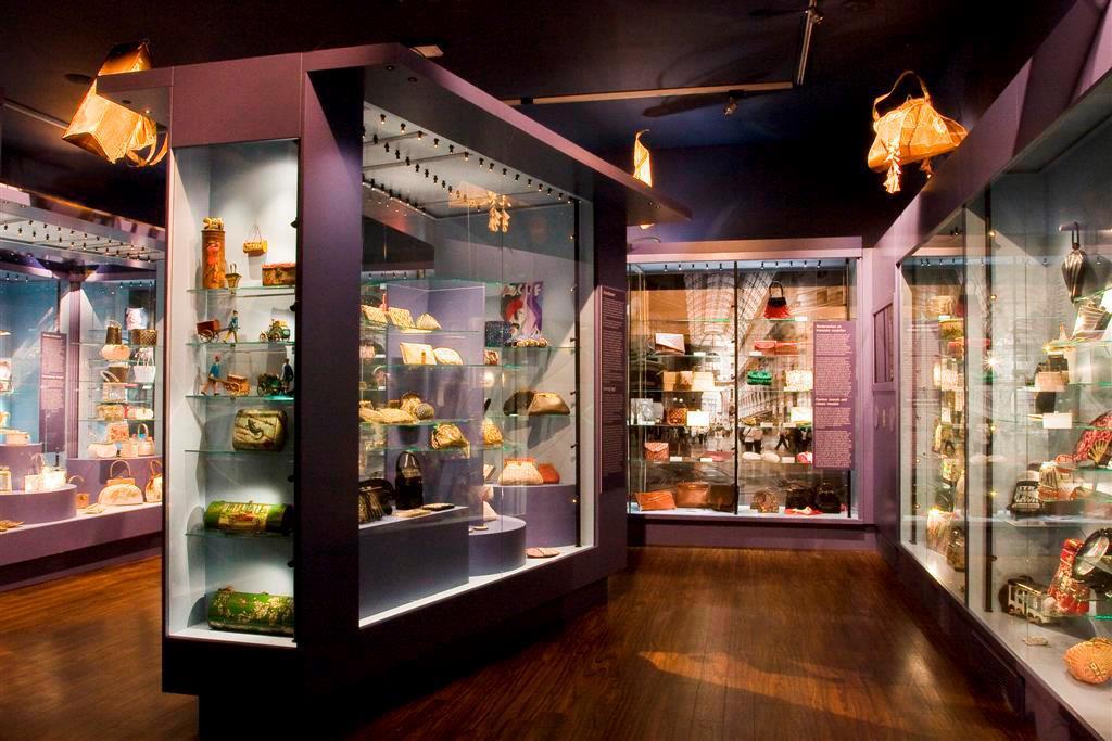 Overzicht zaal Tassenmuseum