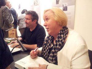 Käthe Kollwitz Musem Keulen Sonya en Yury Winterberg signeren biografie foto Wilma Lankhorst