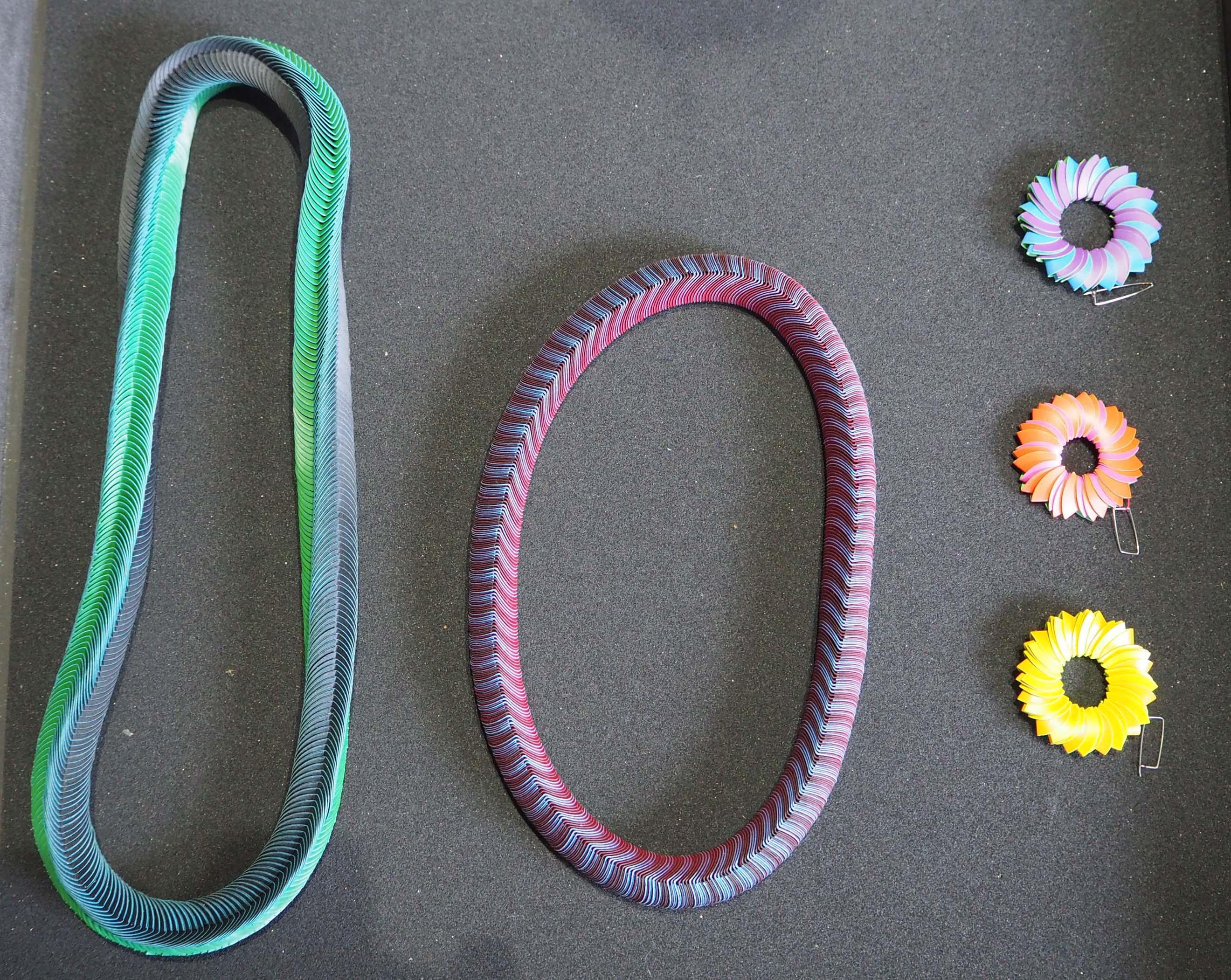 Galerie Marzee heeft werk van sieradenontwerpster Nel Linssen © Wilma Lankhorst