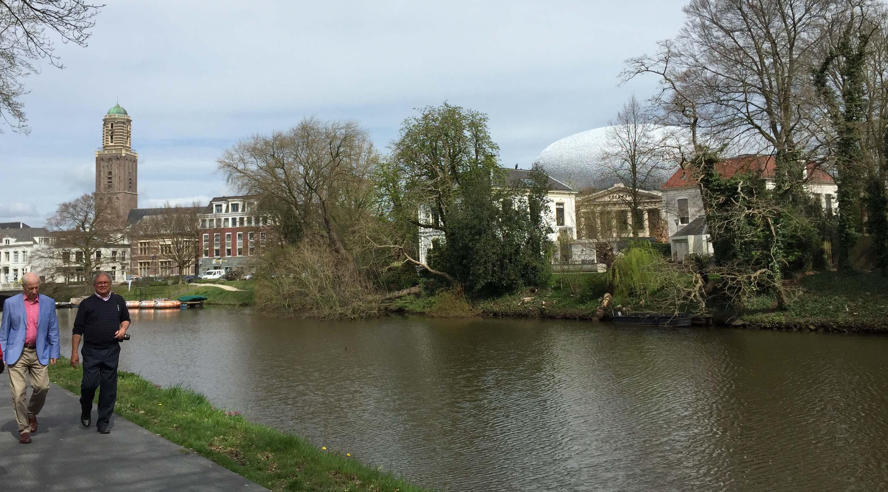 Hanzeastad Zwolle met Museum de Fundatie en de Peperbus