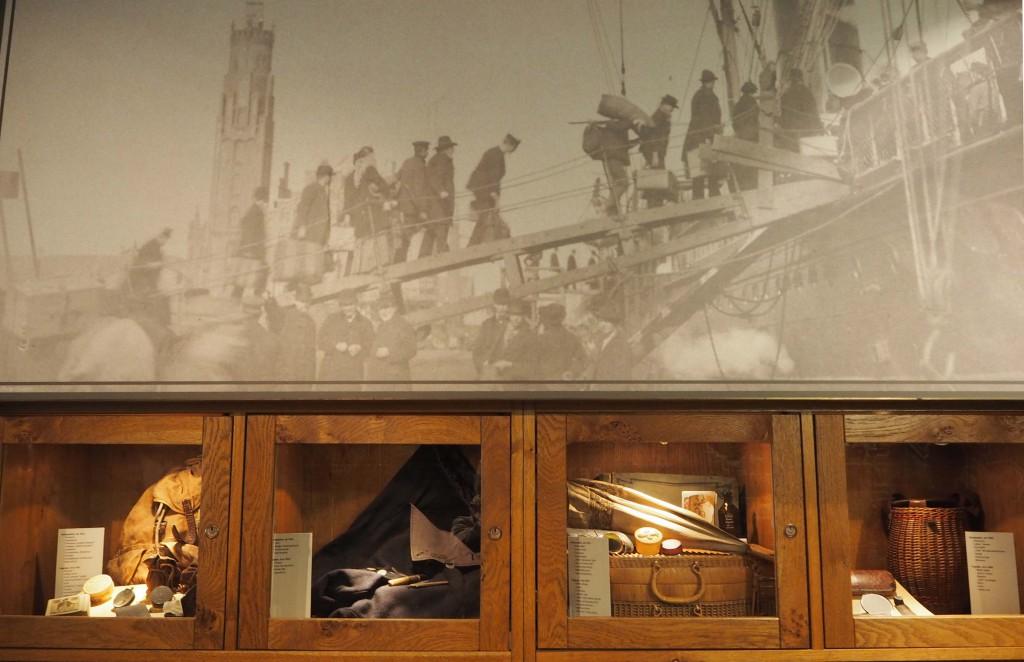 Familieleden hebben veel originele reisbenodigdheden aan museum geschonken © Wilma Lankhorst