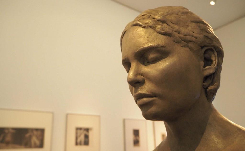 Closer (2010) van Lotta Blokker gaat dialoog aan met zelfportret jonge Käthe Kollwitz © Wilma Lankhorst