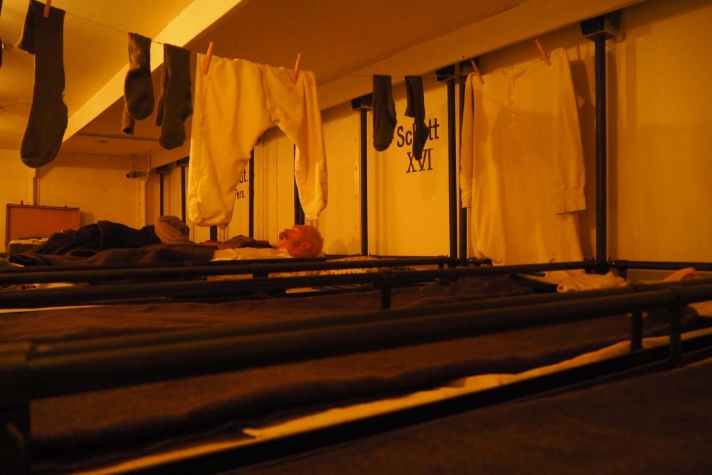 De derde klas passagiers slapen in slaapzalen op de m.s. Lahn © Wilma Lankhorst