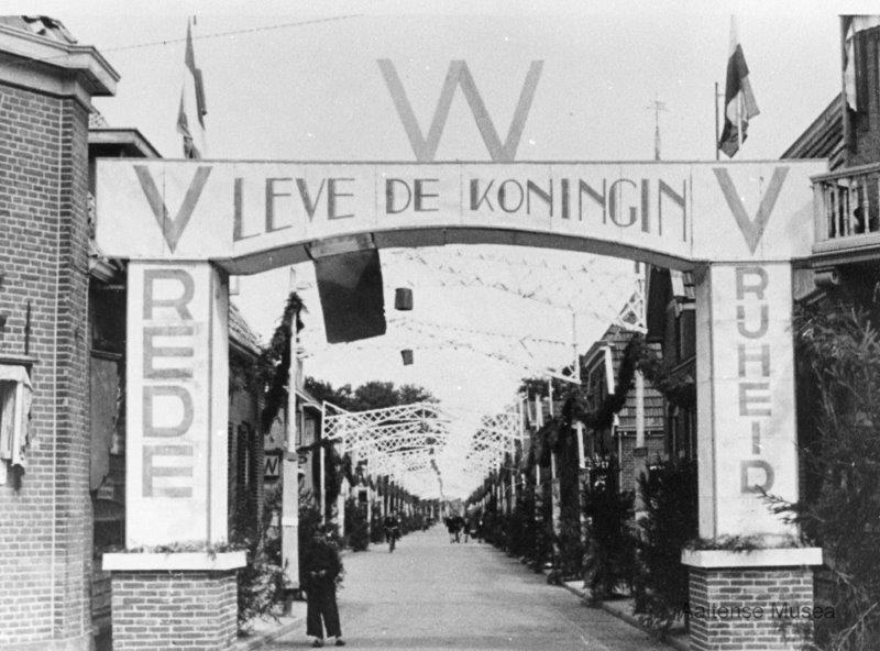 Na de bevrijding in 1945 heet Aalten Koningin Wilhelmina van harte welkom