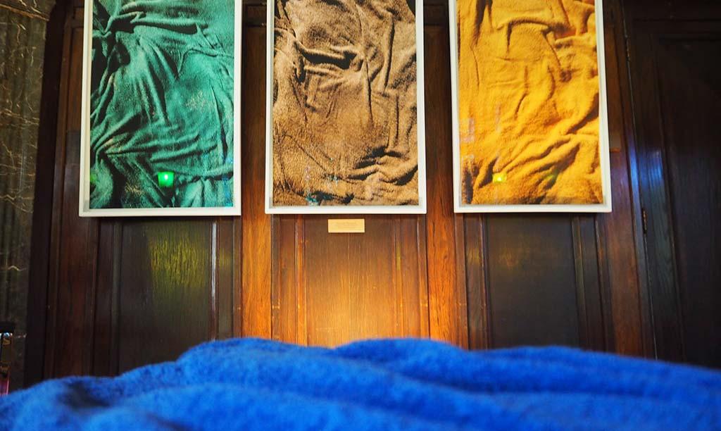 The Imprint - de Afdruk van Niloufar Banisadr op Zeebonken en Strandgasten in De Mesxdag Collectie Den Haag