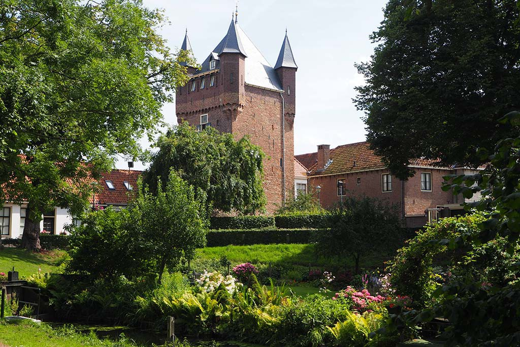 De Dijkpoort in Hattem nu de basis van kunst en communicatiecentrum Edith de Jong © Wilma Lankhorst