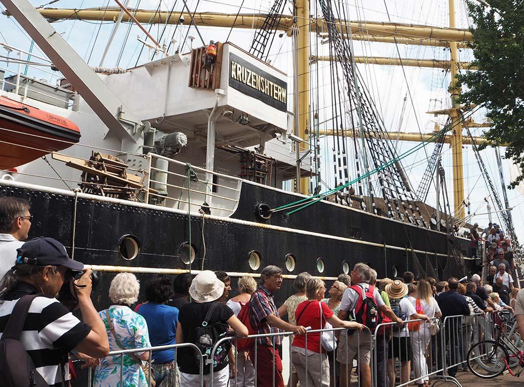 Kruzentern en de Sedov zijn de grootste zeilschepen ter wereld © Wilma Lankhorst