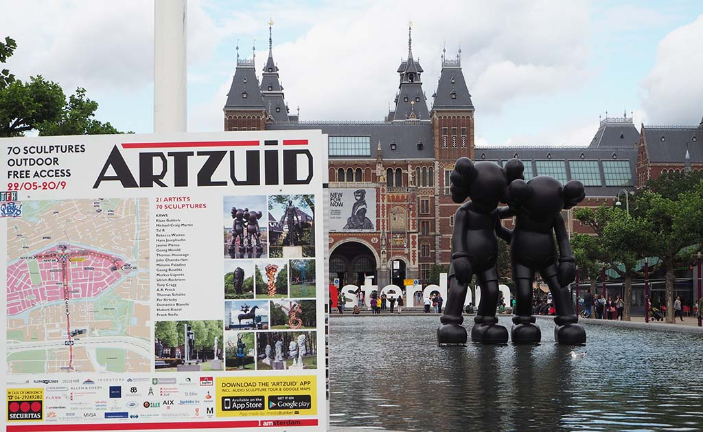 Infobord ARTZUID op Museumplein in Amsterdam