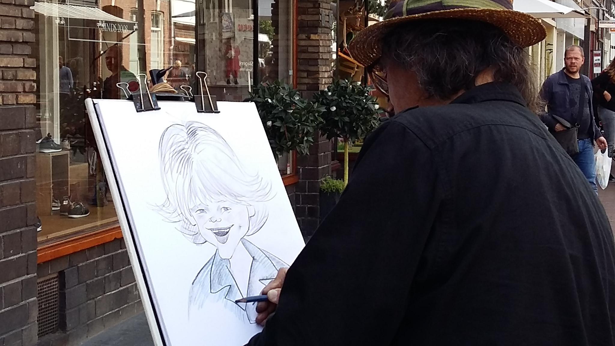 Volop creativiteit op straat in de van Welderenstraat tijdens the Big Draw Nijmegen