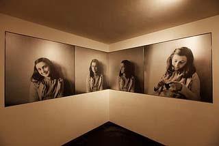 Anne Frank entree met 4 foto's Anne Anne Frank Huis Amsterdam