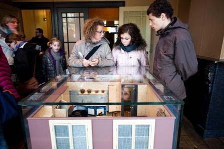 Amsterdam Anne Frank maquette kantoor en achterhuis