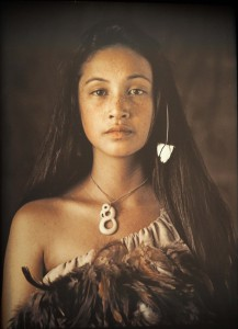 Maori vrouw uit Taupo, Rauwhiri Winitane Paki 2011 © Jimmy Nelson
