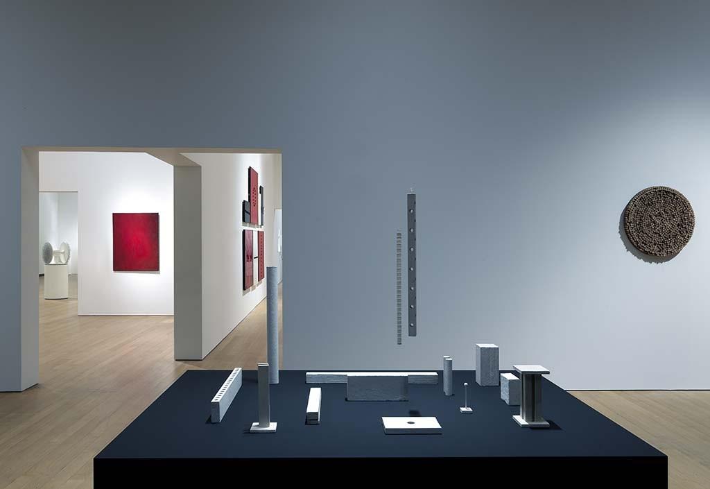 Stedelijk Museum ZERO 2015 GJ.vanROOIJ_zaal 3 stellage herman de vries