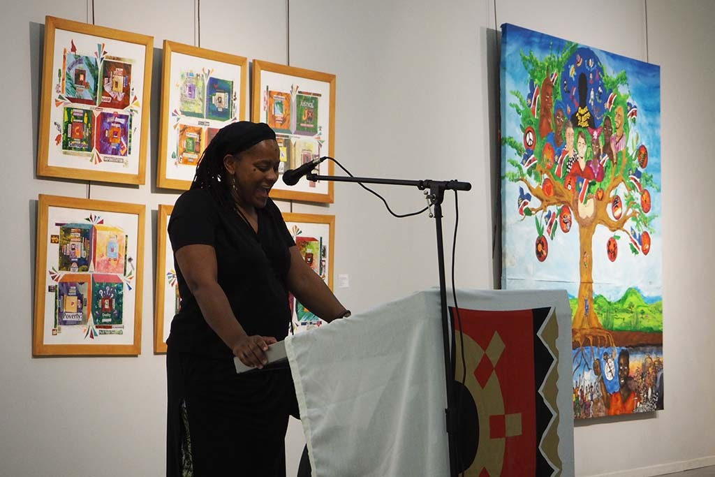 Agelika Schroeder director Art College Windhoek opens the exhibition 25 years after © Wilma Lankhorst