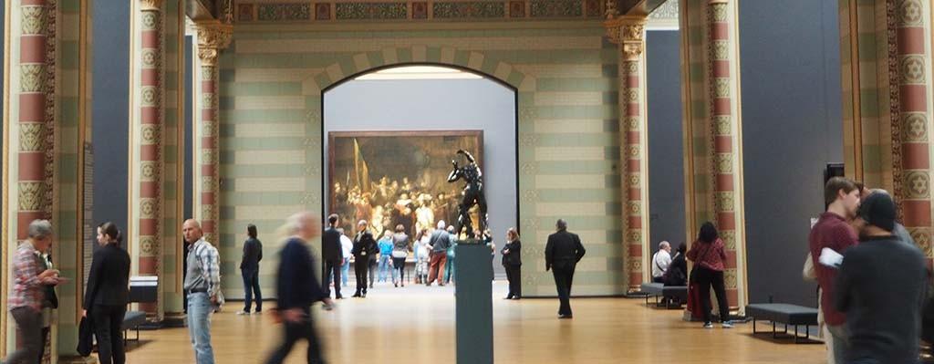 De Bacchant staat tijdelijk in de Eregalerij van het Rijksmuseum in Amsterdam © Wilma Lankhorst