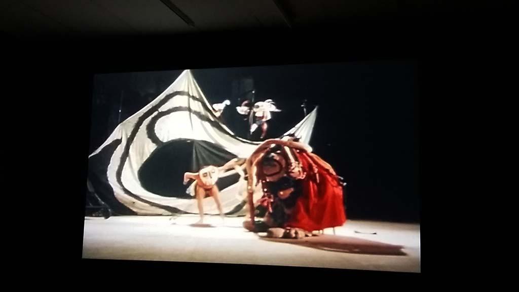 "theaterproductie ""Mori el Merma"" kostuums Miro © Cobra Museum"