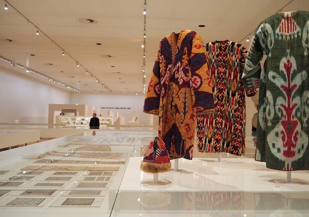 Seth Siegelaub Beyond Conceptual Art - overzicht textiel collectie © Wilma Lankhorst