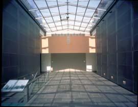 1960_03_Modemuseum Hasselt gang met glazen dak Vittorio Simoni