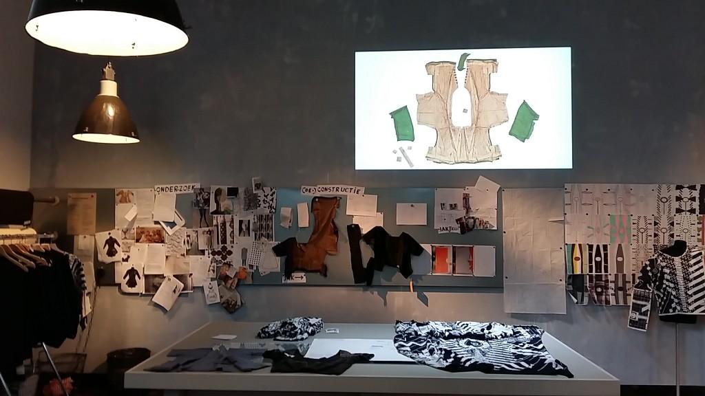 Modetradities en ambachten worden door gegeven in de Handwerkplaats van het Zeeuws Museum