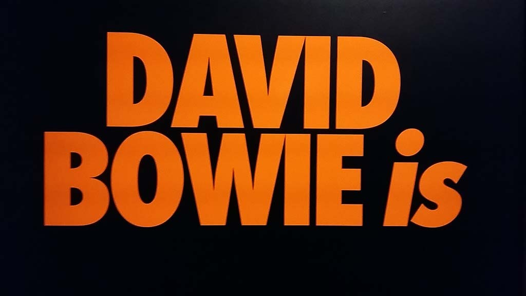 Logo expositie David Bowie is ... © Wilma Lankhorst