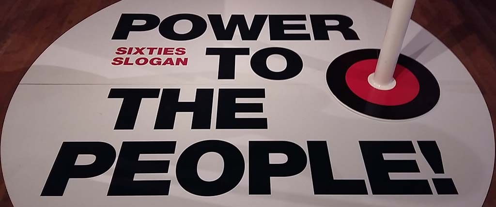 Step into the Sixties slogan Power to the People © Tropenmuseum Amsterdam