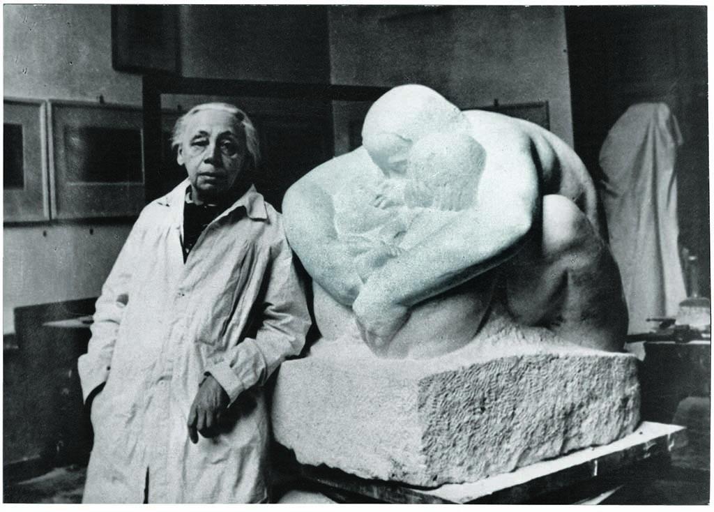 Kathe Kollwitz in haar atelier 1938 coll KKM Keulen