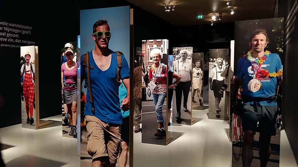 100ste 4daagse zaaloverzicht wandelen door de tijd foto Wilma Lankhorst