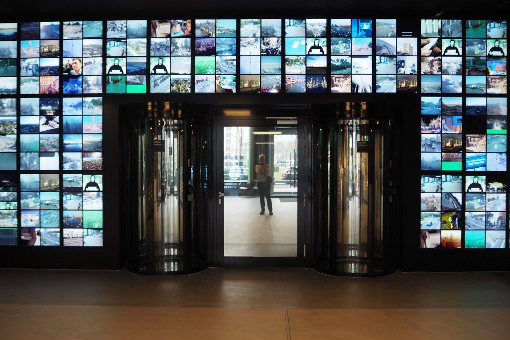 Spy Museum Berlijn Alleen toegang met code via de glazensluis foto Wilma Lankhorst