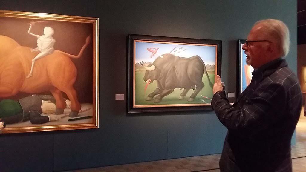 Fernando Botero met l. Dood van Ramon Torres (1986) en r. Stervende stier (1985) Kunsthal foto Wilma Lankhorst