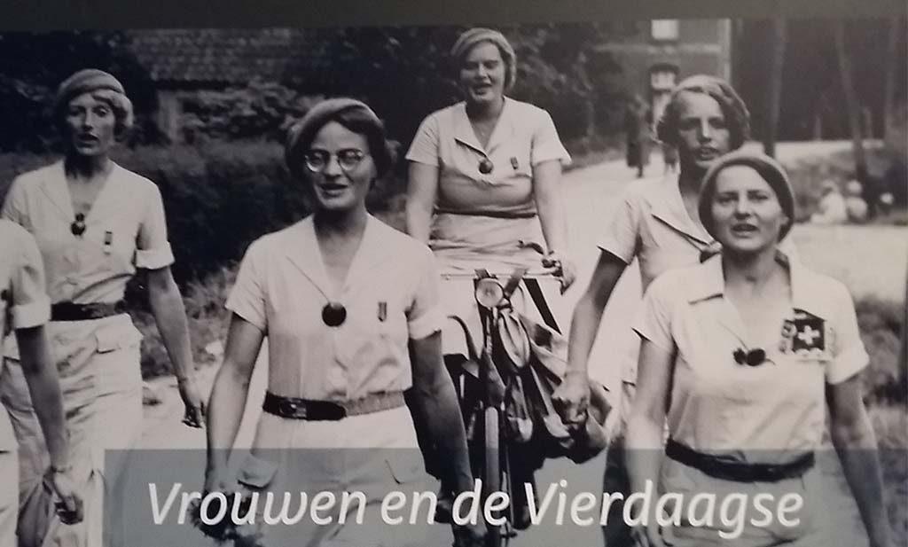 Vrouwen lopen de Vierdaagse header Museum het Valkhof