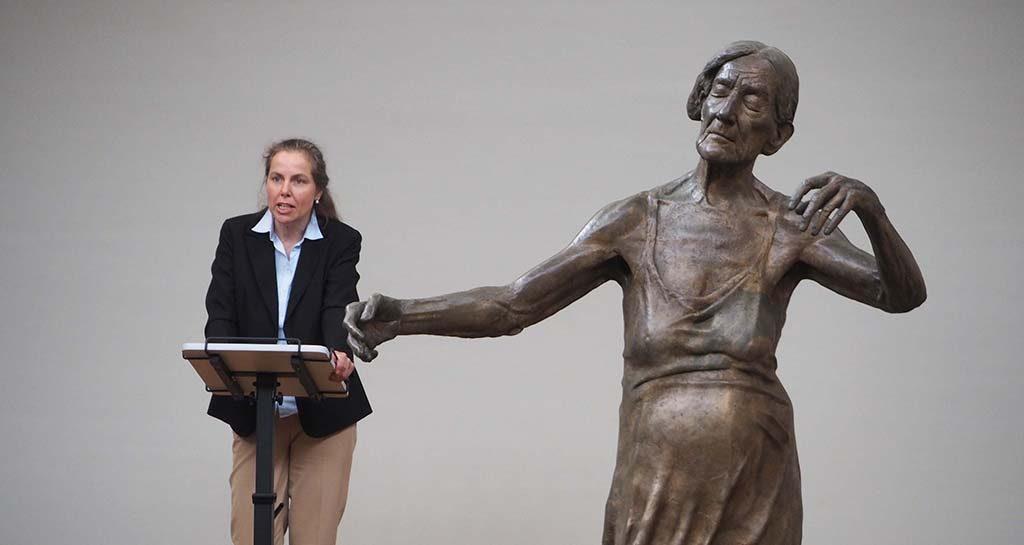 Iris Bernt , directeur Käthe Kollwitz Museum Berlijn beeld Lotta Blokker - foto Wilma Lankhrst