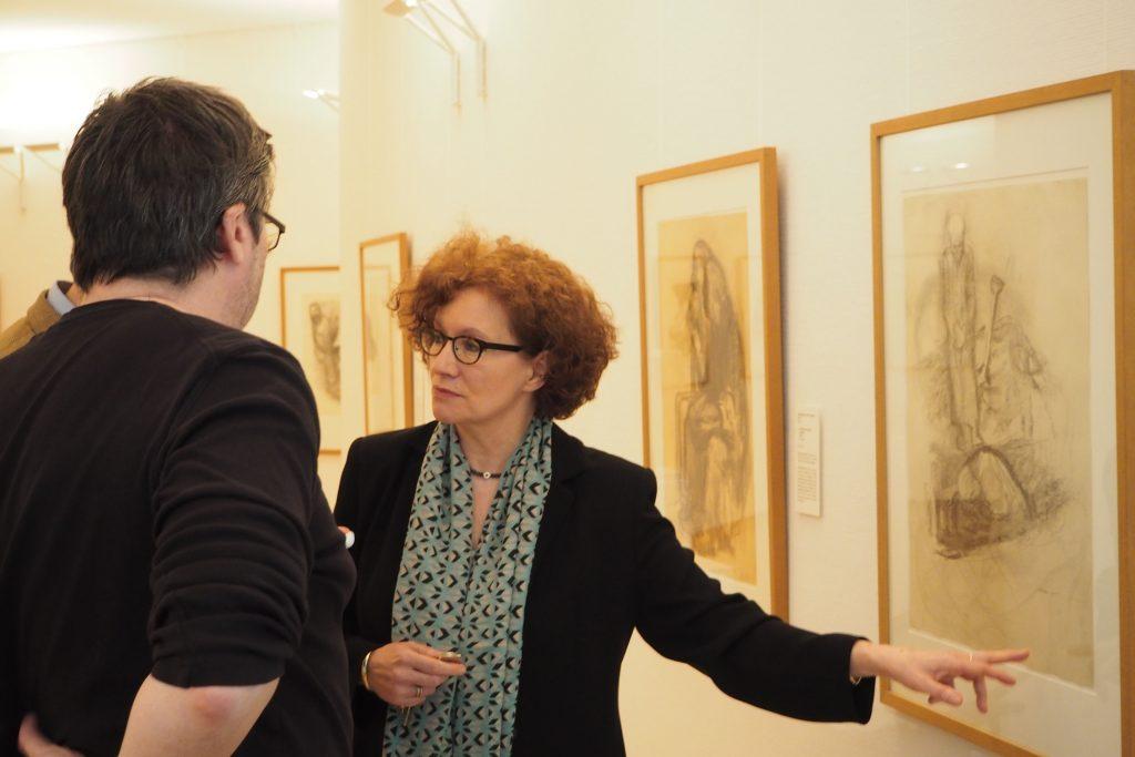 rechts Hannelore Fisher - directeur Käthe Kollwitz Museum Keulen foto Wilma Lankhorst