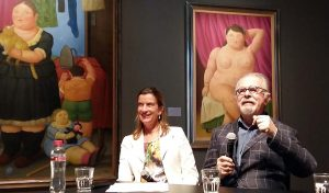 Emily Ansink (directeur Kunsthal Rotterdam) naast Fernando Botero foto Wilma Lankhorst