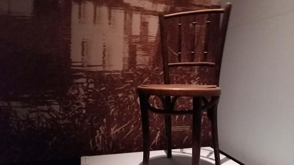 blog-Picasso-in-Holland-kreeg-op-stoel-op-maat-in-Schoorl-coll-Stedelijk-Alkmaar.