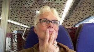 Selfie Wilma Lankhorst na bezoek Rosemin Hendriks in Museum MORE