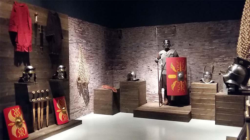 Gladiatoren-de-Wapenkamer-Museum-het-Valkhof-Nijmegen-foto-Wilma-Lankhorst