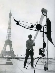 Machinespektakel-Méta-Matic-No.-17-voor-Eiffeltoren-1959-Jean-Tinguely-foto-John-R.-van-Rolleghem