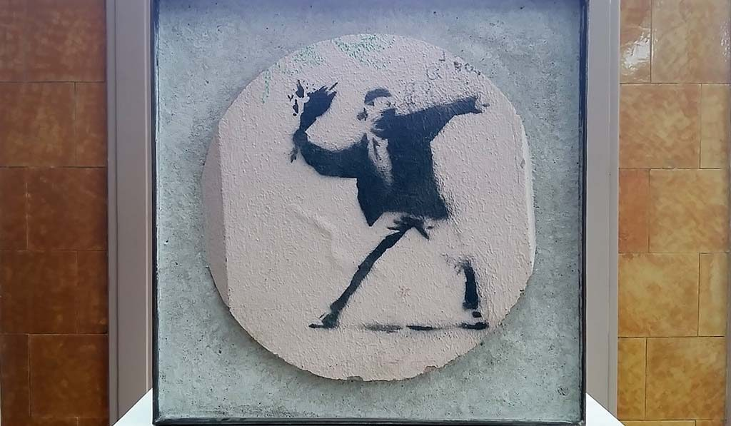 Banksy-Bloemengooier-MOCO-Museum-Amsterdam-foto-Wilma-Lankhorst