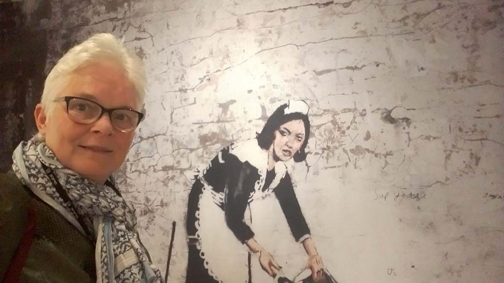 Banksy-the-maid-MOCO-Museum-Amsterdam-foto-Wilma-Lankhorst