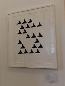 Gemeentemuseum-Den-Haag-Bridget-Riley-zeefdruk-Sonnet-te-koop-in-Museumwinkel-foto-Wilma-Lankhorst