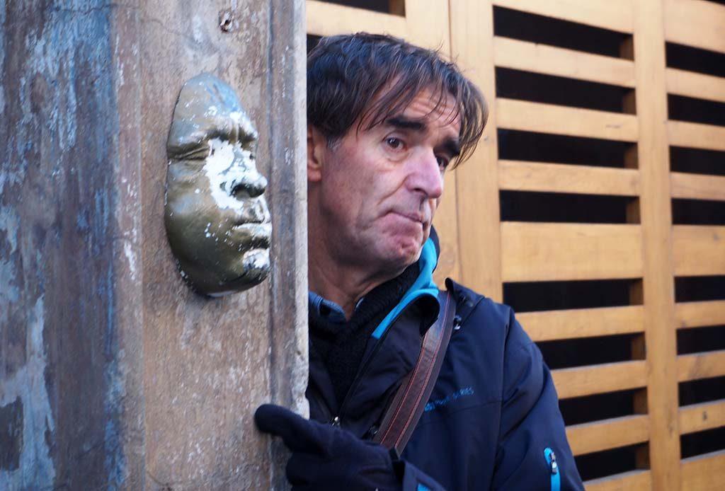 Londen Shoreditch Street_Art_Tour_0010_-Fashion-Street_gezichtssculptuur-3D-Gregos-Franse-kunstenaar_6-11-2016-foto-Wilma-Lankhorst