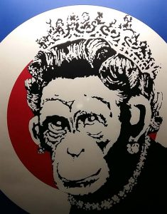 The-art-of-Banksy-Monkey-Queen-2003-Banksy-foto-Wilma-Lankhorst