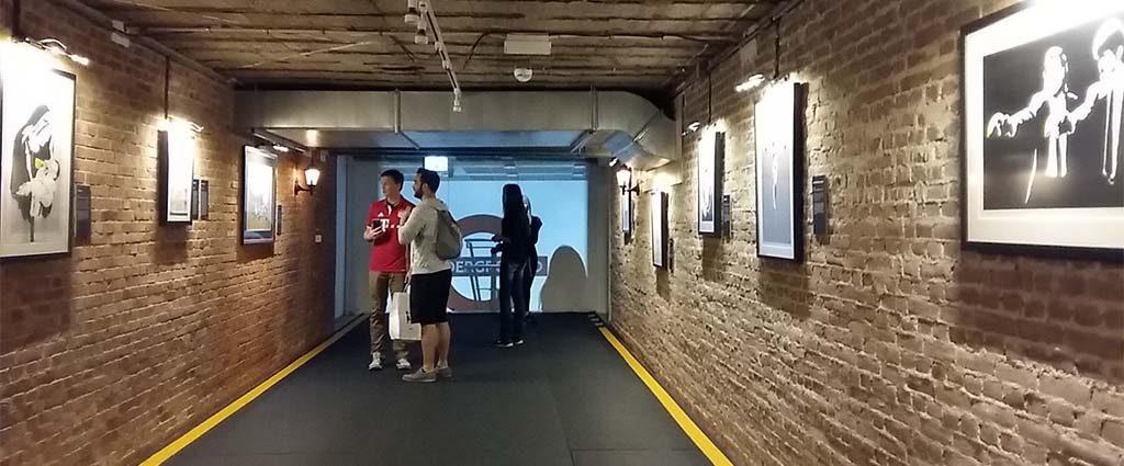 the-art-of-Banksy-toegang-tot-de-metro-foto-Wilma-Lankhorst