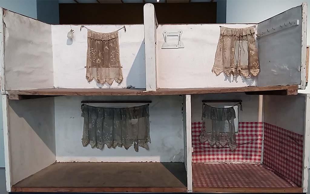 Achter-het-gordijn-6-open-huis-Paloma-Varga-Weisz-Museum-Kunstpalast-Dusseldorf-foto-Wilma-Lankhorst.