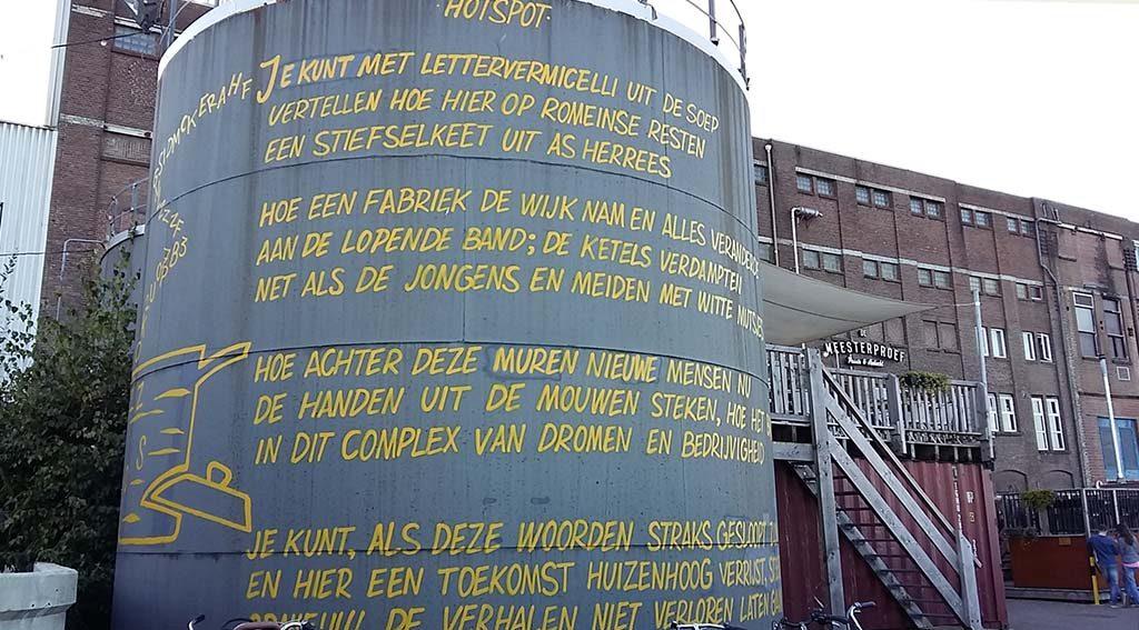 Street-Art-Honig-Lettersoep-gedicht-Frouke-Arts-sign-paiting-Fred-de-Imker-foto-Wilma-Lankhorst