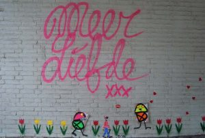Street-Art-Nijmegen-iconen-in-cenrtum-stad-foot-Wilma-Lankhorst