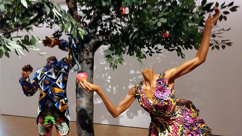 Paradise Beyond Yinka-Shonibare-Adam-and-Eve-2013-Museum-Helmond-foto-Wilma-Lankhorst